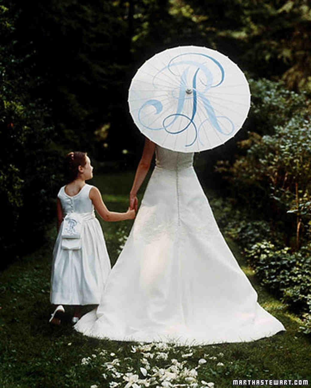 Martha Stewart Weddings: Summer Weddings: An Outdoor Occasion