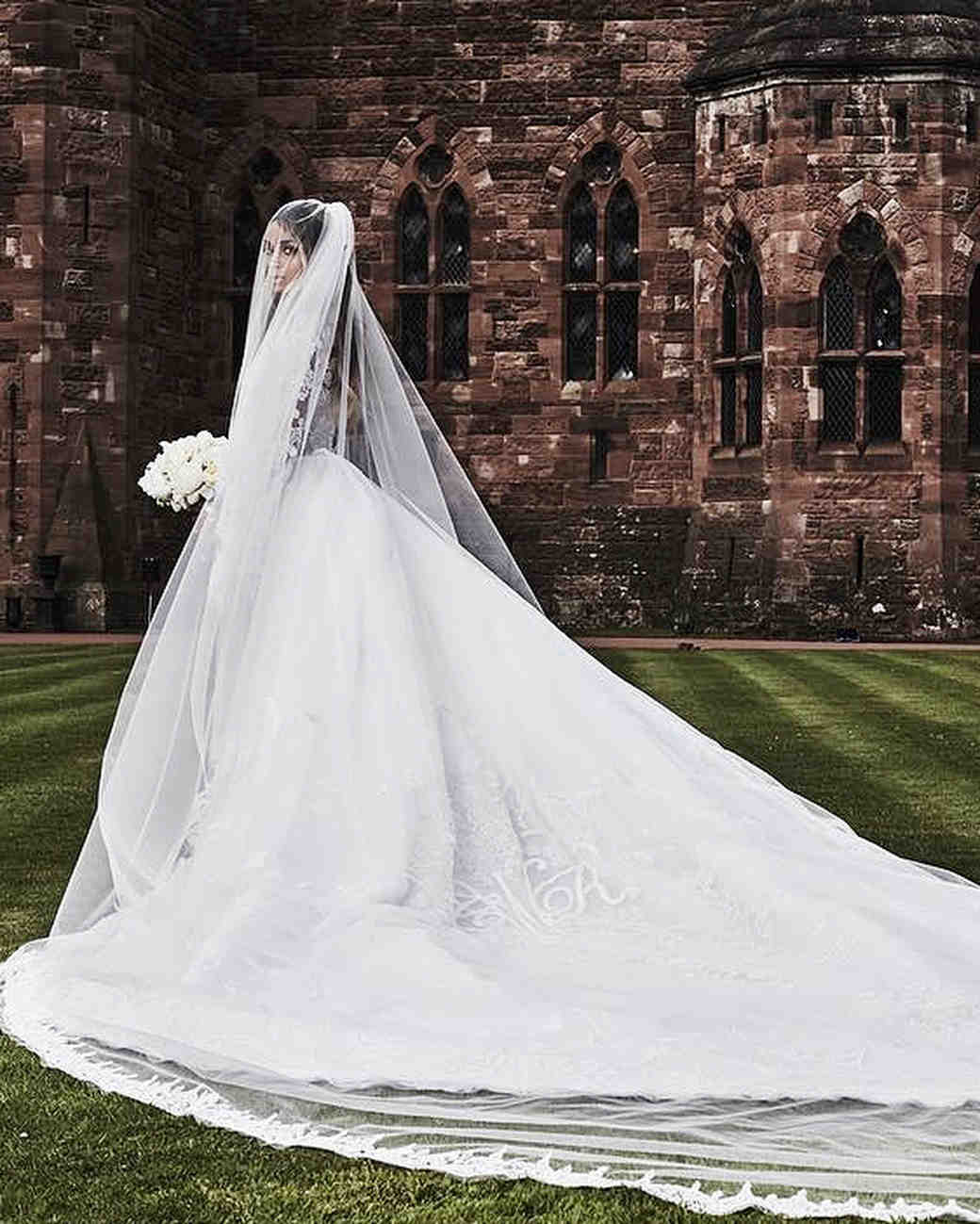 26 celebrity brides who wore unforgettable veils martha for Wedding dress with veil
