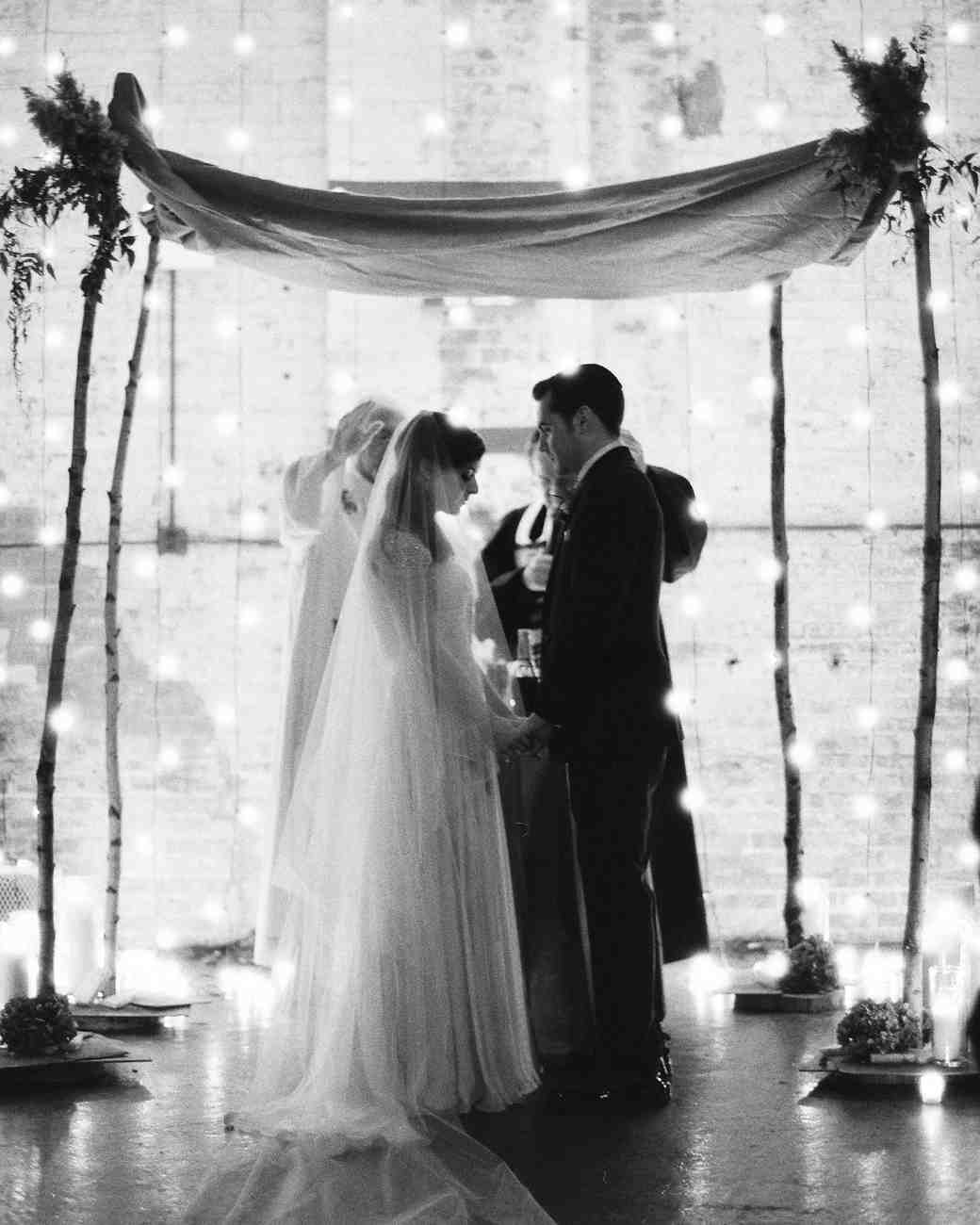 lauren jay rw0513 00334_vert?itok=fYzgXZ_u a basic wedding ceremony outline for planning the order of your i