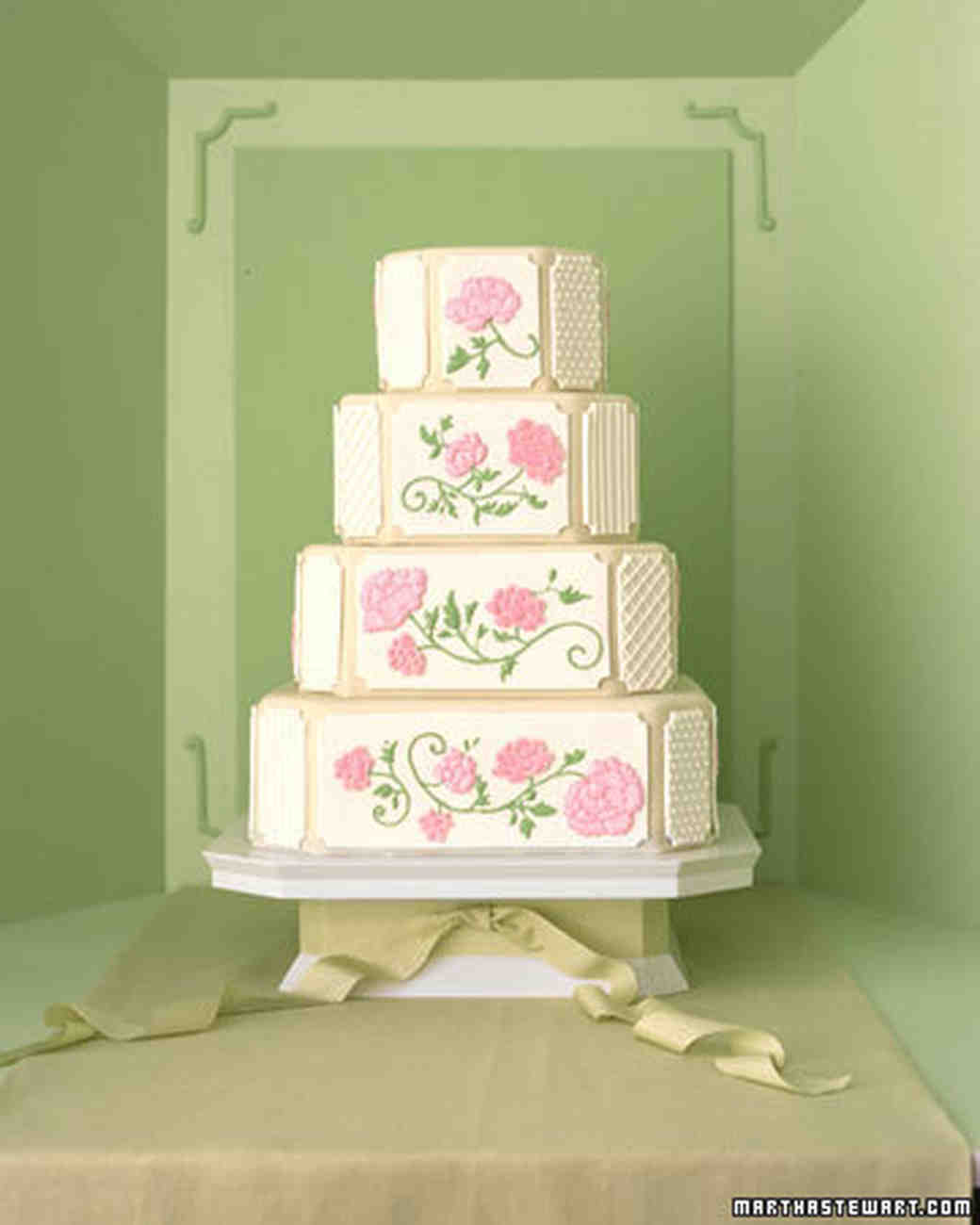 The Masters Of The Wedding Cake: Martha Stewart Weddings