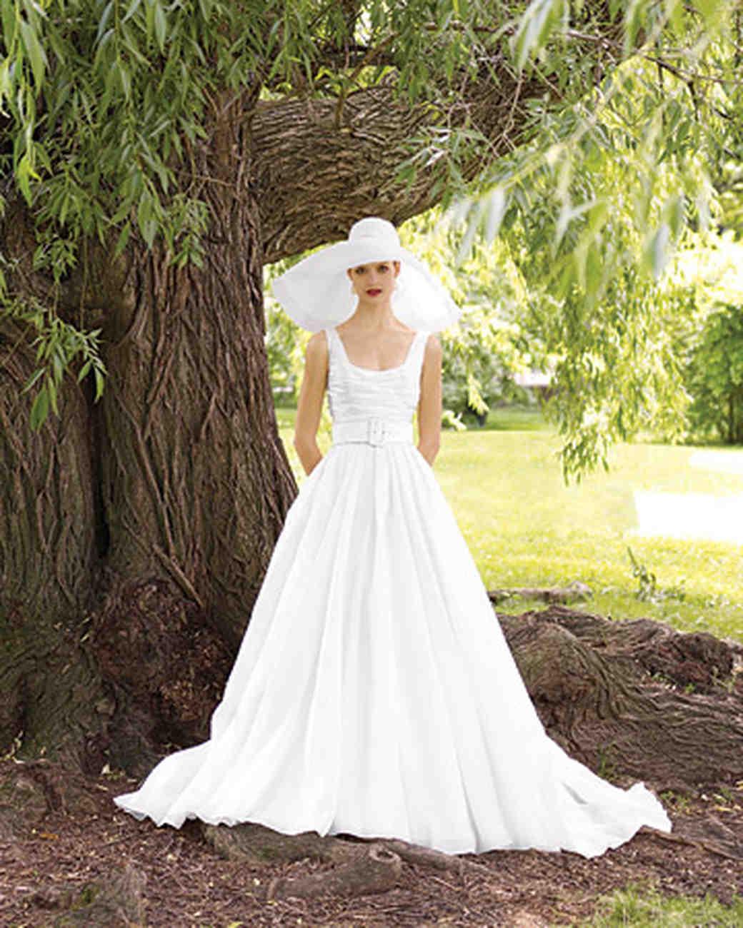 Organza Ball Gown: Mountain Themed Wedding Dress At Websimilar.org
