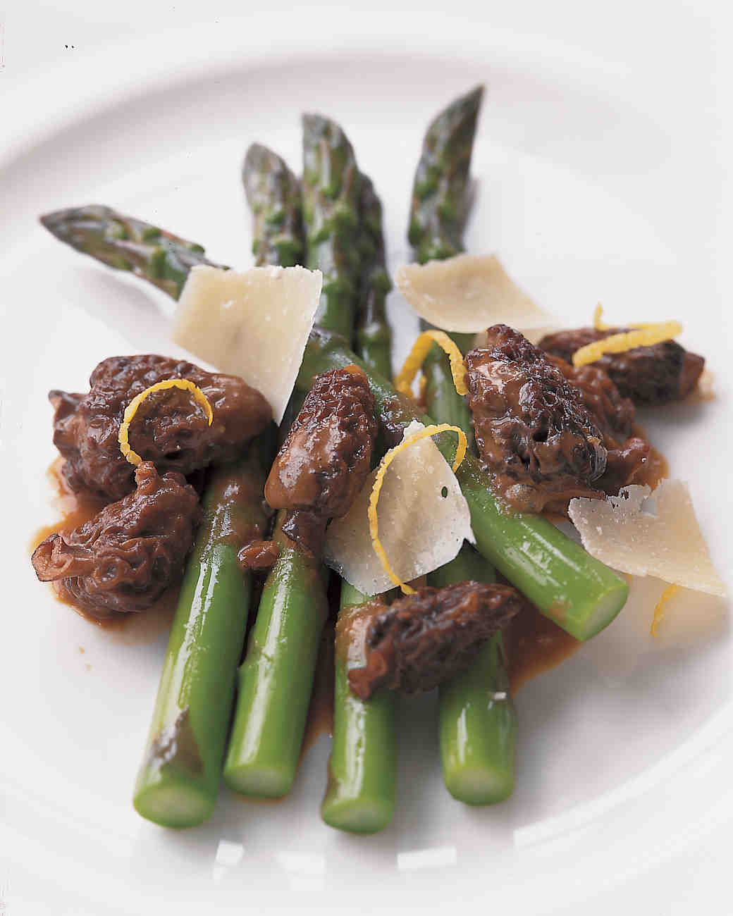 Asparagus Spears with Sauteed Morels