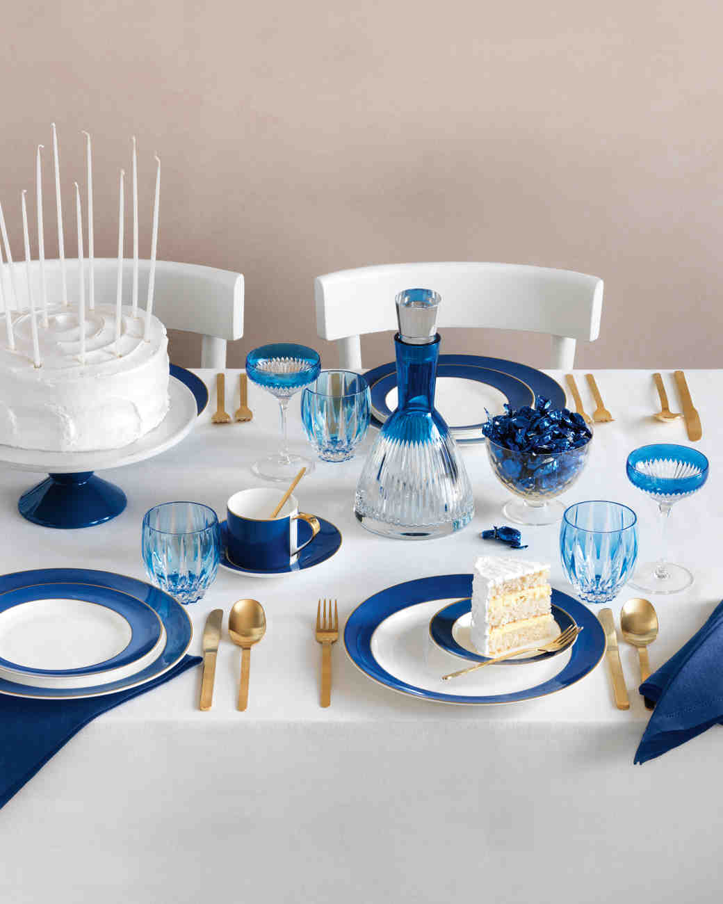 Cool and Chic Table Settings & From Cool and Chic to Warm and Cozy: China by Style for Your ...
