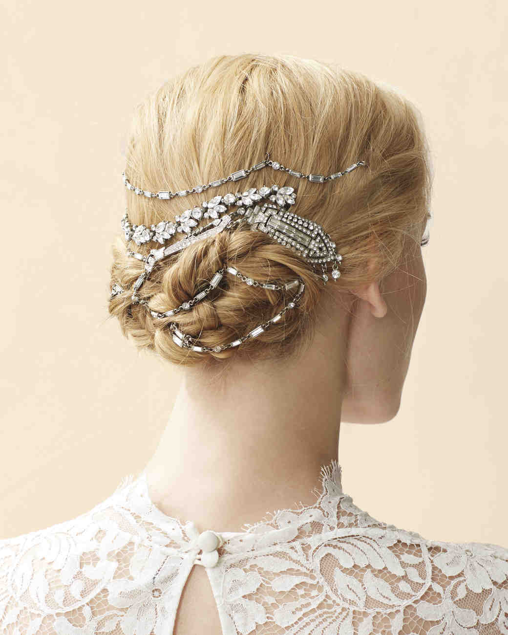 4 Ways To Wear A Short Hairstyle On Your Wedding Day: 4 Stylish Ways To Wear Vintage Jewelry On Your Wedding Day
