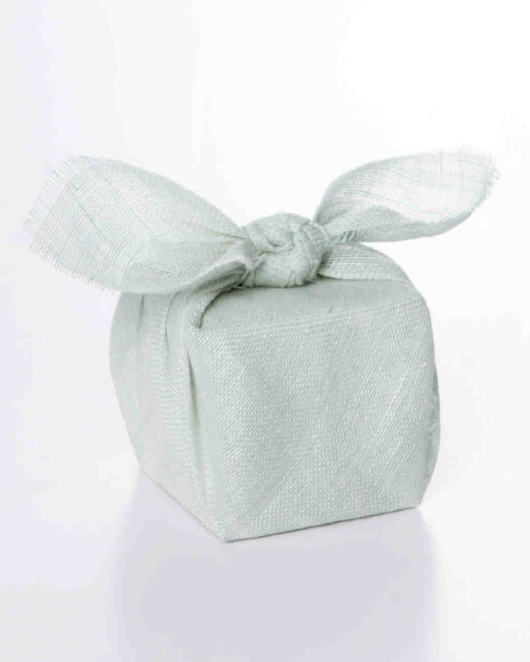 38 Wedding Favor Gift Wrapping Ideas To Steal Martha Stewart