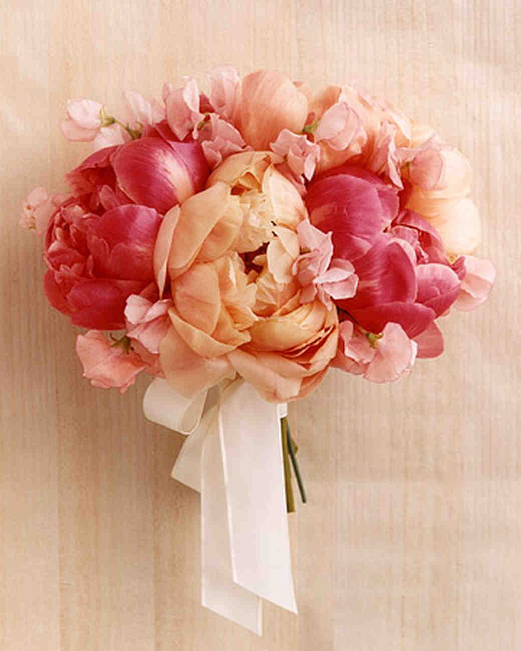46 pretty peony wedding bouquets martha stewart weddings - Garden Rose And Peony Bouquet