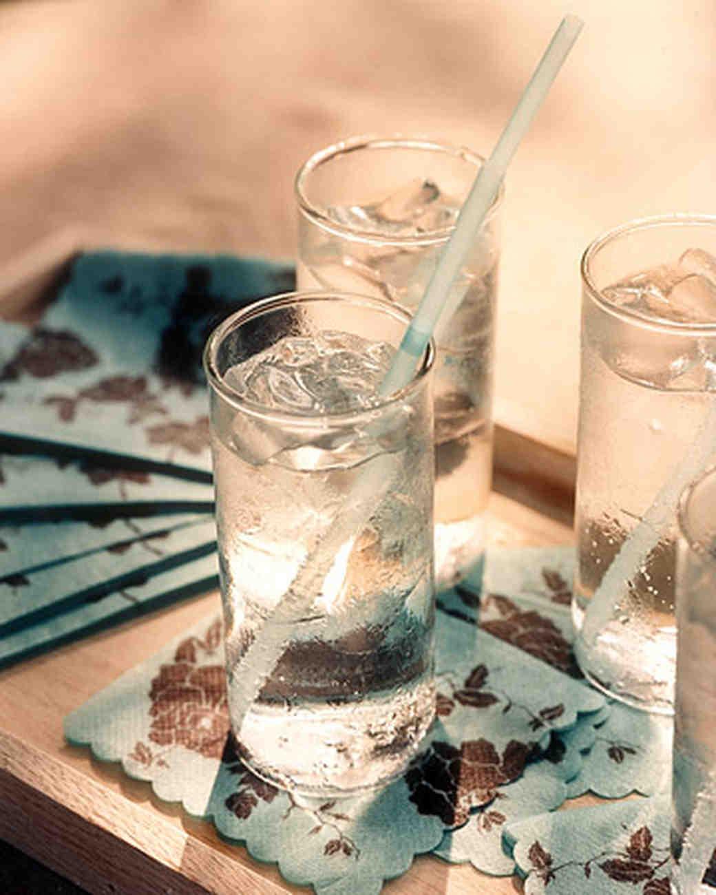 wa101613_win06_cocktails.jpg