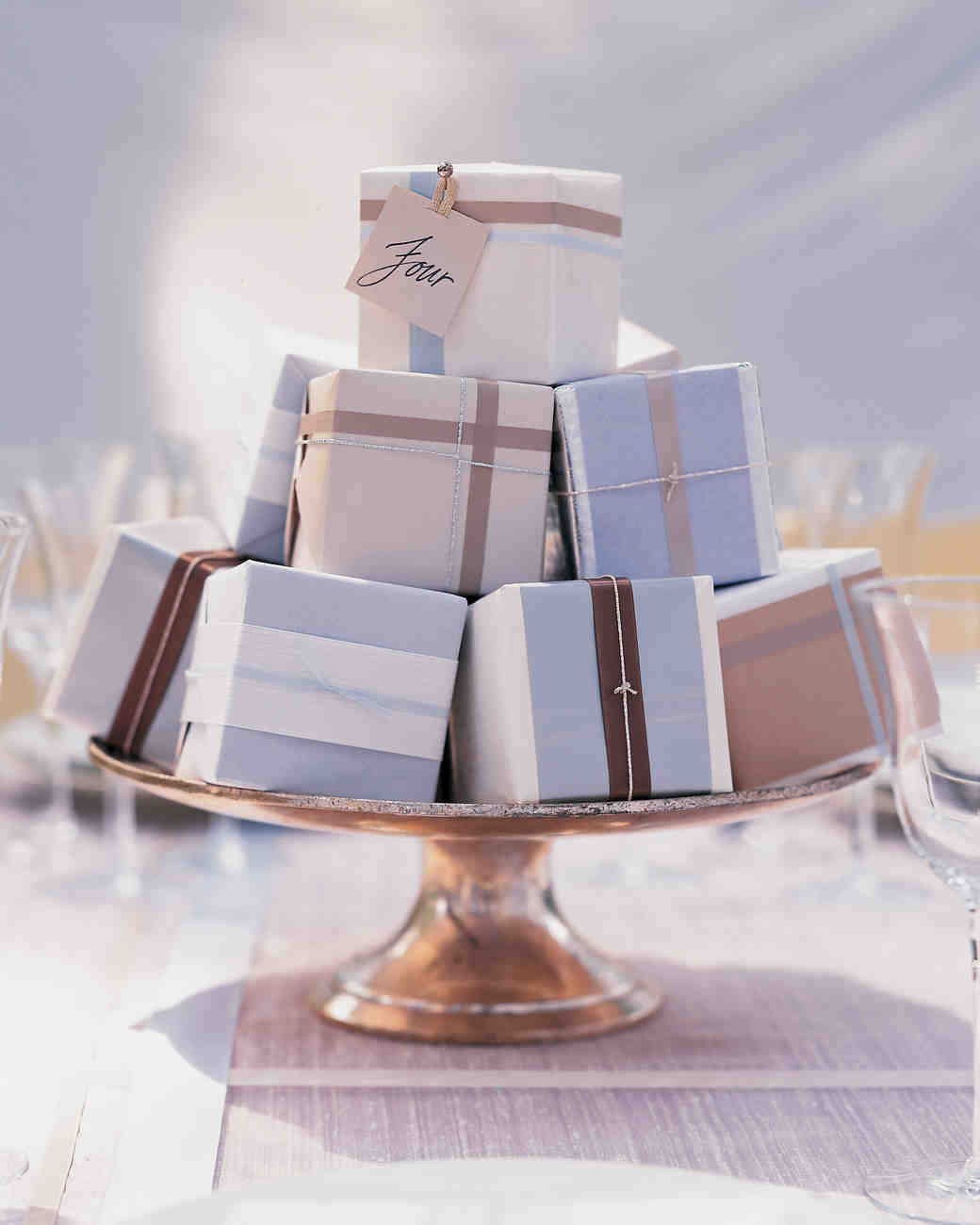 favor box centerpiece