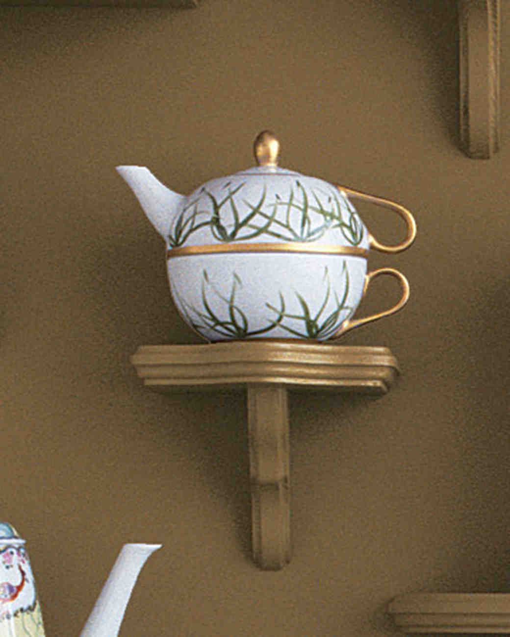 mw1004_fall04_grass_teapot.jpg