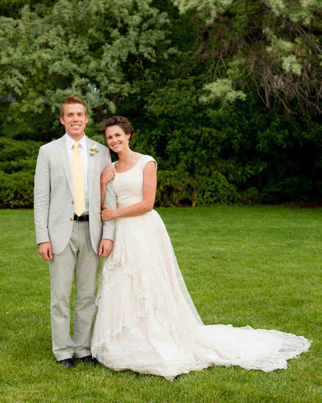 Vintage Wedding Dresses Utah: A Pink-and-Yellow Vintage-Inspired Wedding In Utah