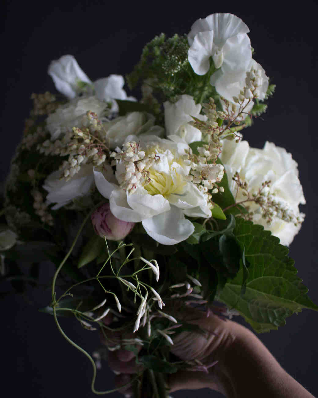 8 Trends For Spring Wedding Flowers To Try Now Martha Stewart Weddings