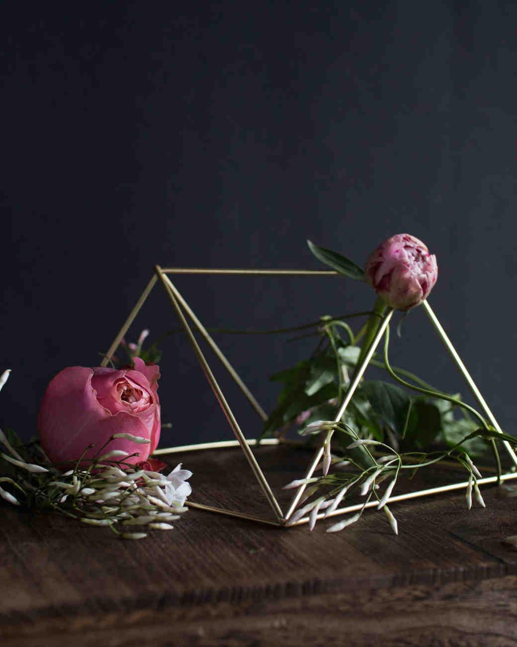 spring-floral-trend-3-0315.jpg
