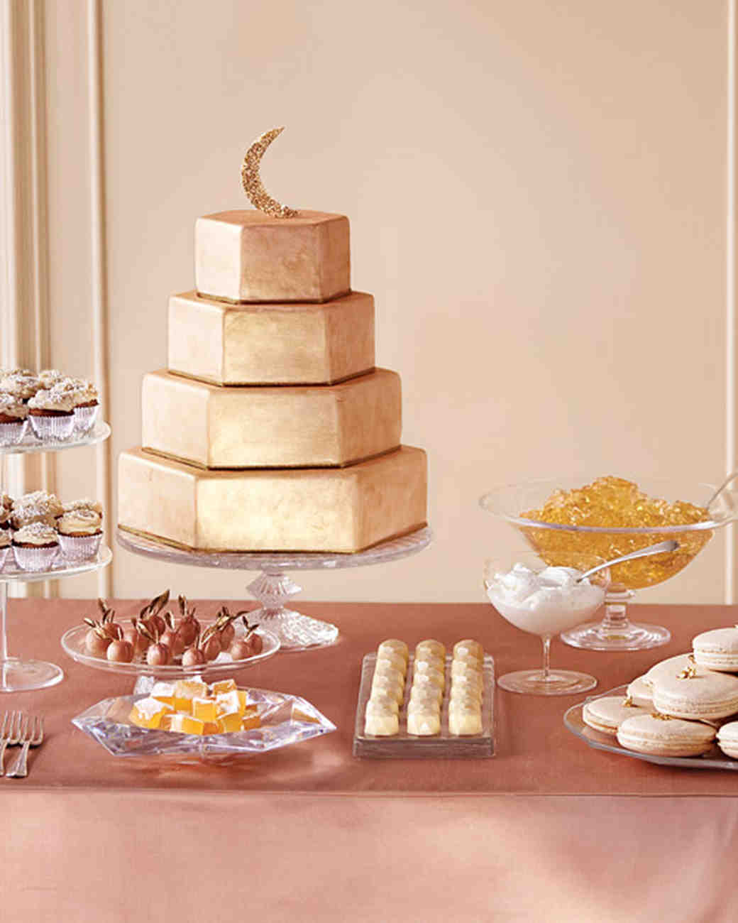 using wedding cake as dessert dazzling and delicious how to add sparkle to your cake 21516