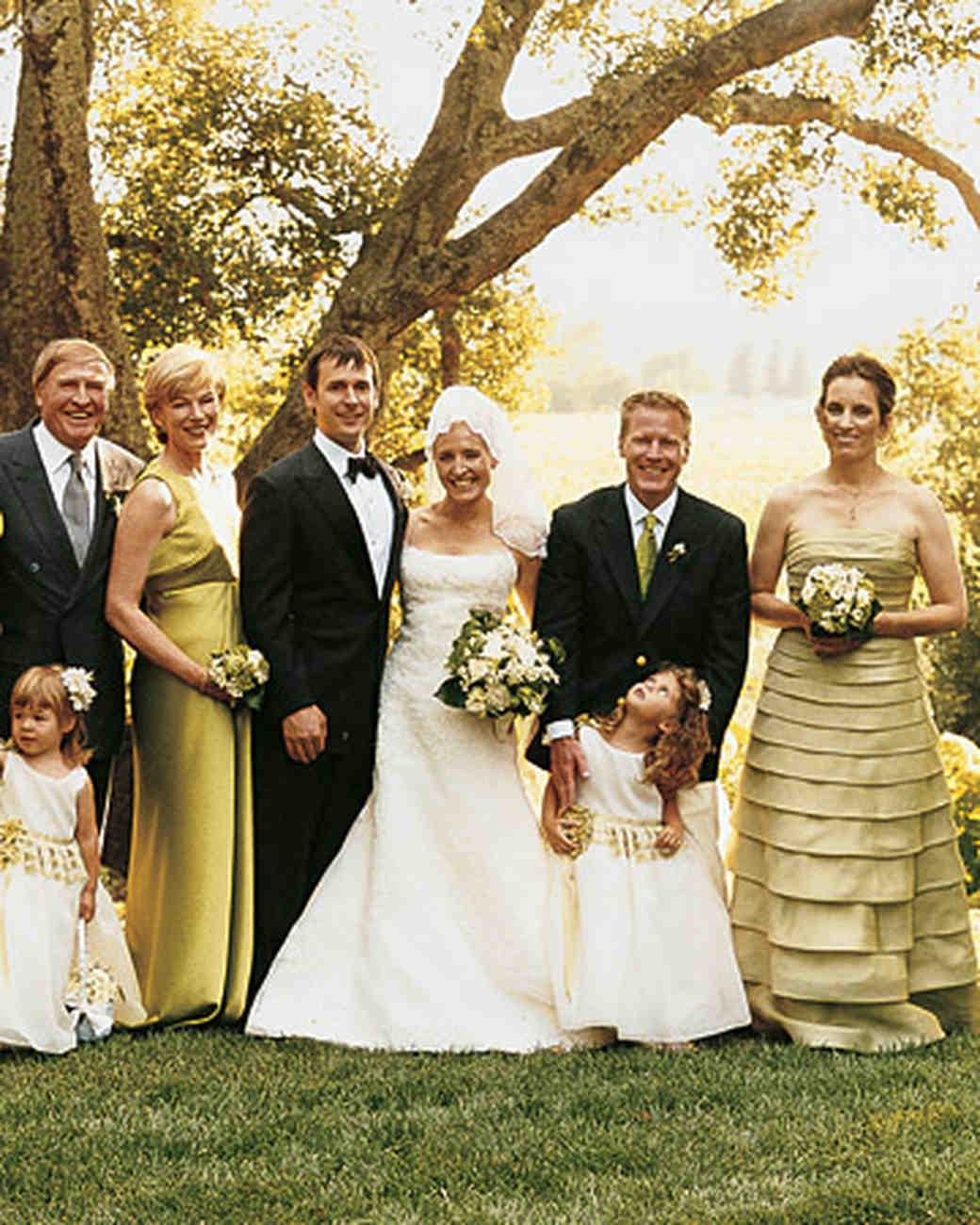 mwa101753_sum06_bridefamily.jpg