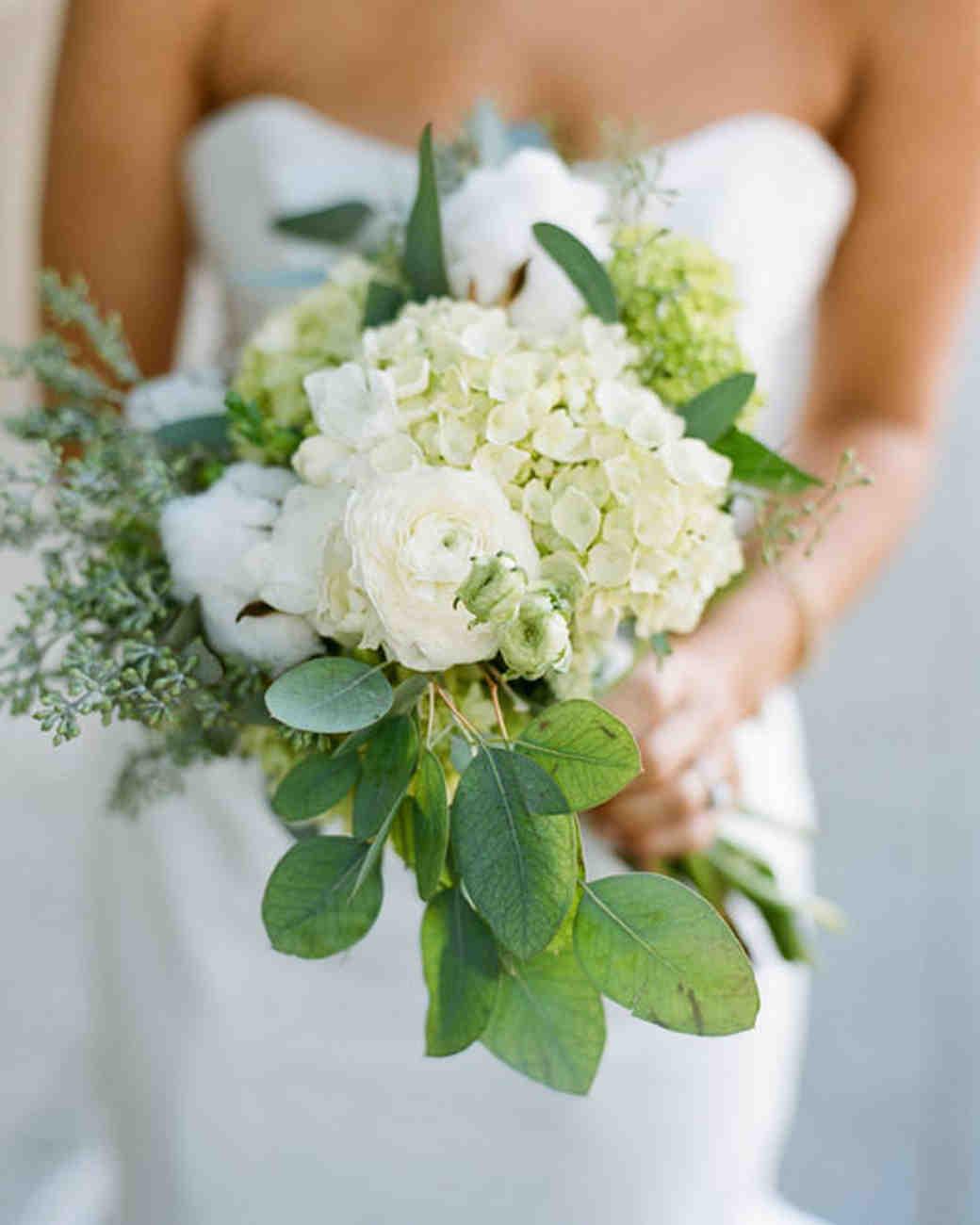 rw_0111_lauren_josh_bouquet.jpg