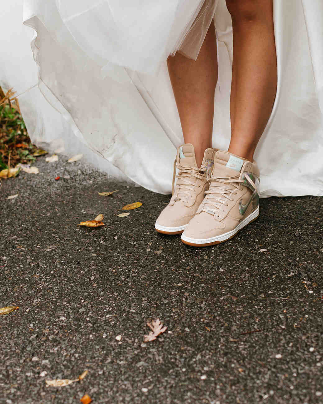 7-fall-wedding-sneakers-1015.jpg