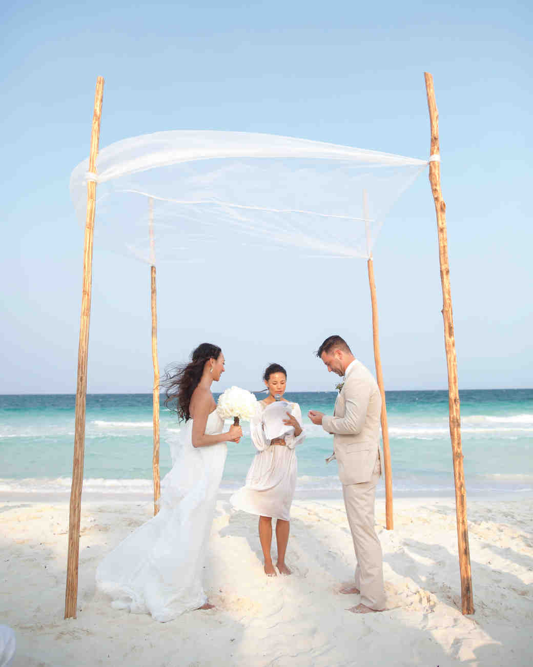 Outdoor Wedding Pictures: 16 Things You Need To Know To Pull Off An Outdoor Wedding