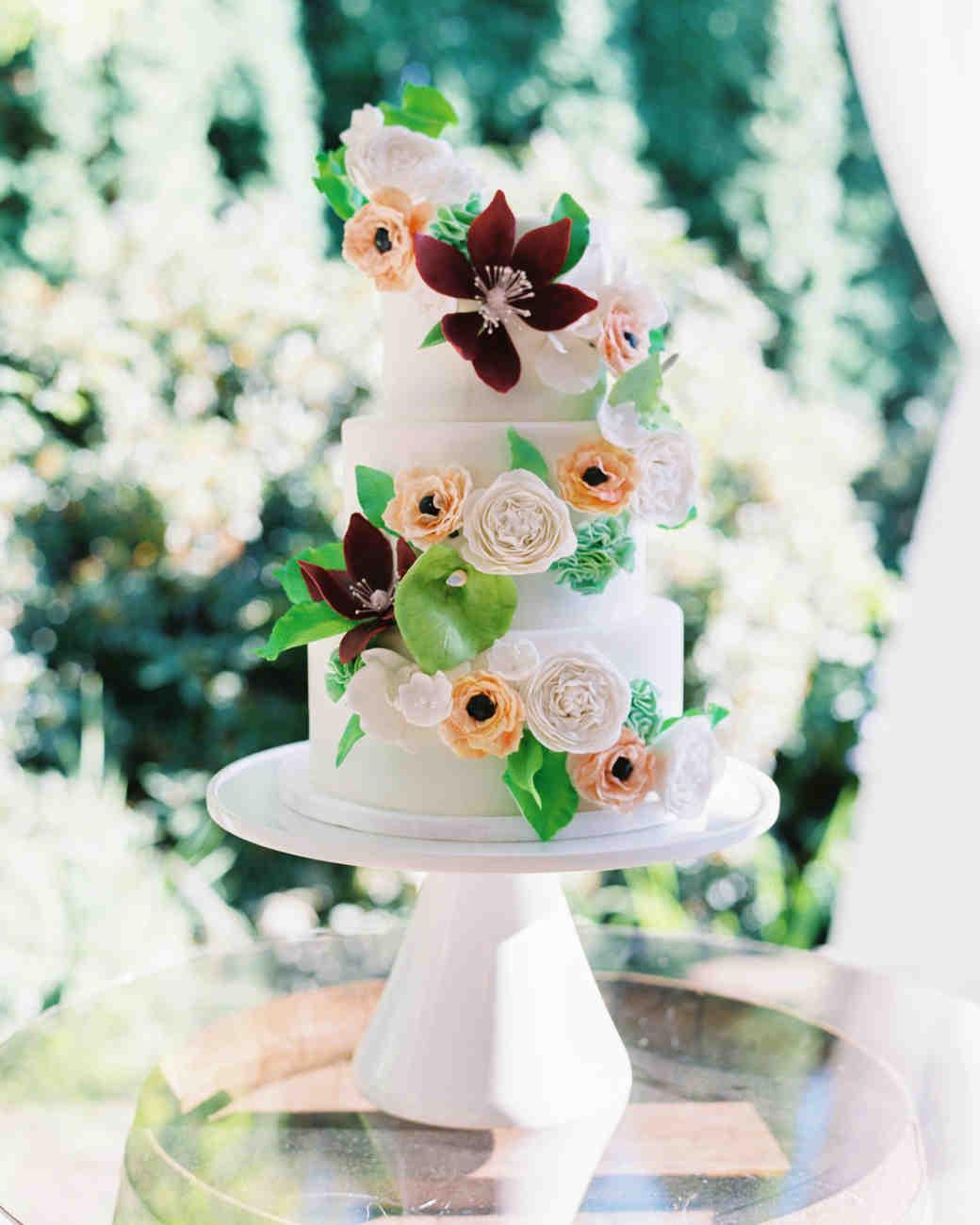 paige matt wedding cake with flowers