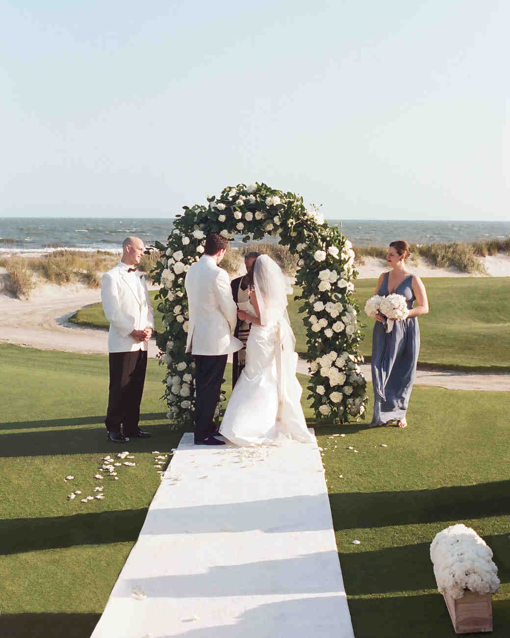 Outdoor Wedding Arches For Weddings