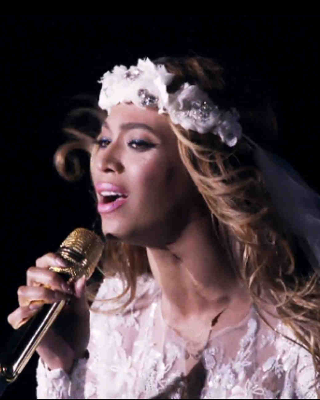 beyonce-flower-crown-hbo-0616.jpg