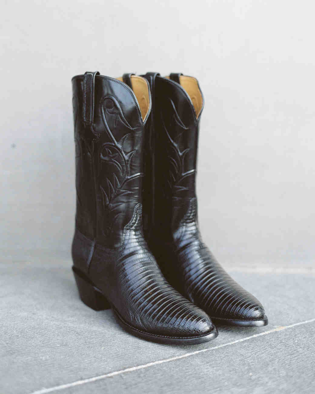 sleek black western cowboy boots