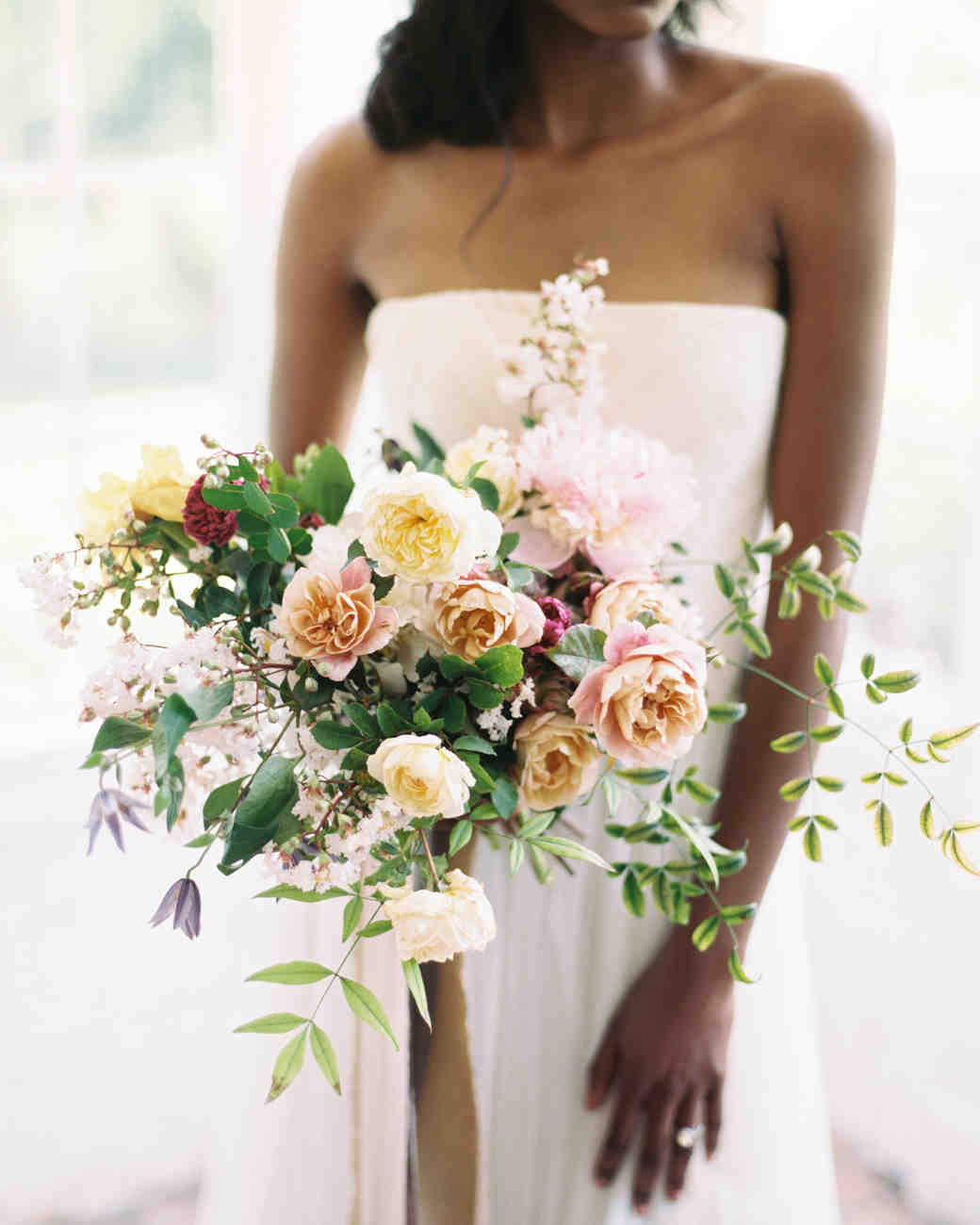329a373a35 Heat-Resistant Wedding Bouquets Perfect for Summer