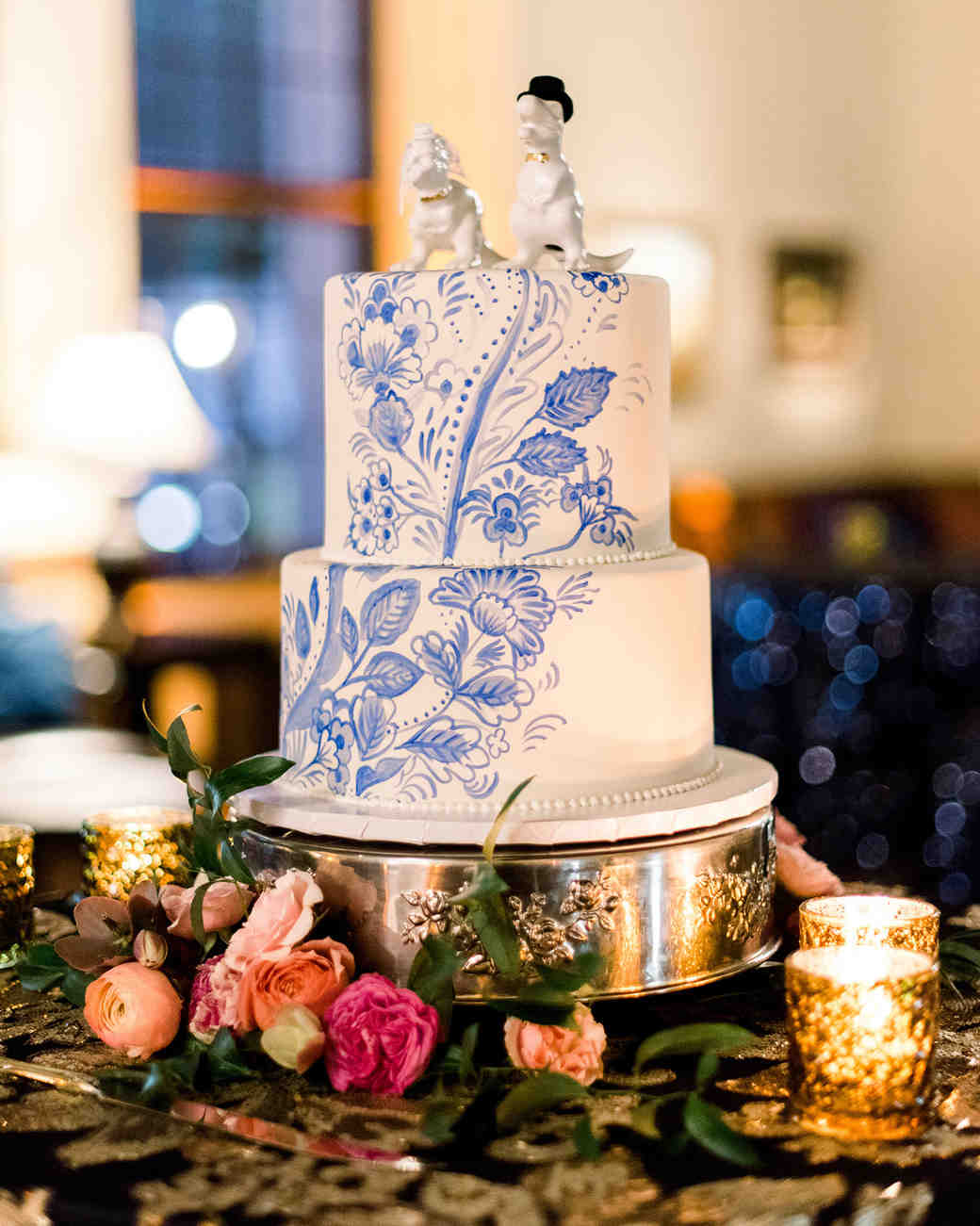 johanna erik wedding cake with dinosaur topper
