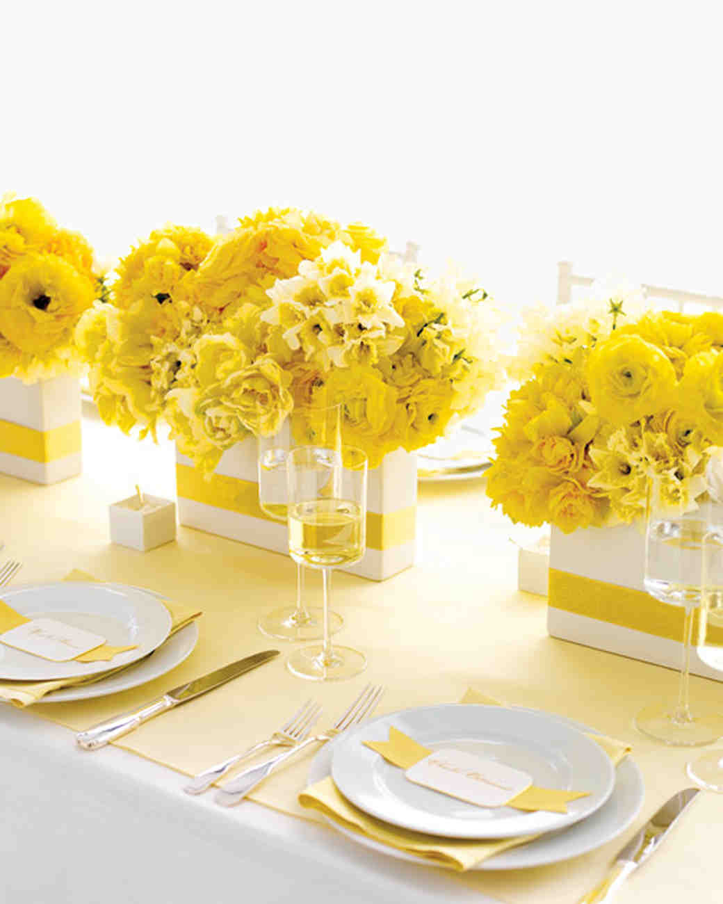 Wedding colors yellow and white martha stewart weddings yellow and white wedding centerpieces junglespirit
