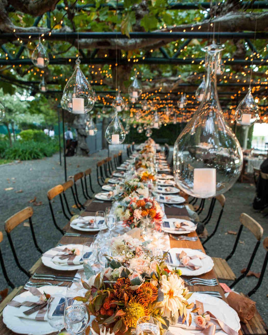Outdoor wedding lighting ideas Night Lights With Big Bulbs Martha Stewart Weddings Outdoor Wedding Lighting Ideas From Real Celebrations Martha