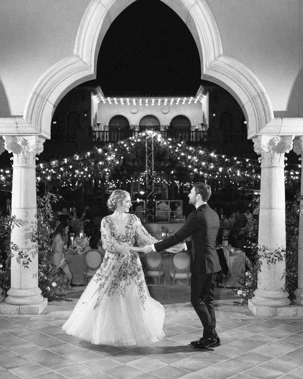 cavin david wedding couple first dance