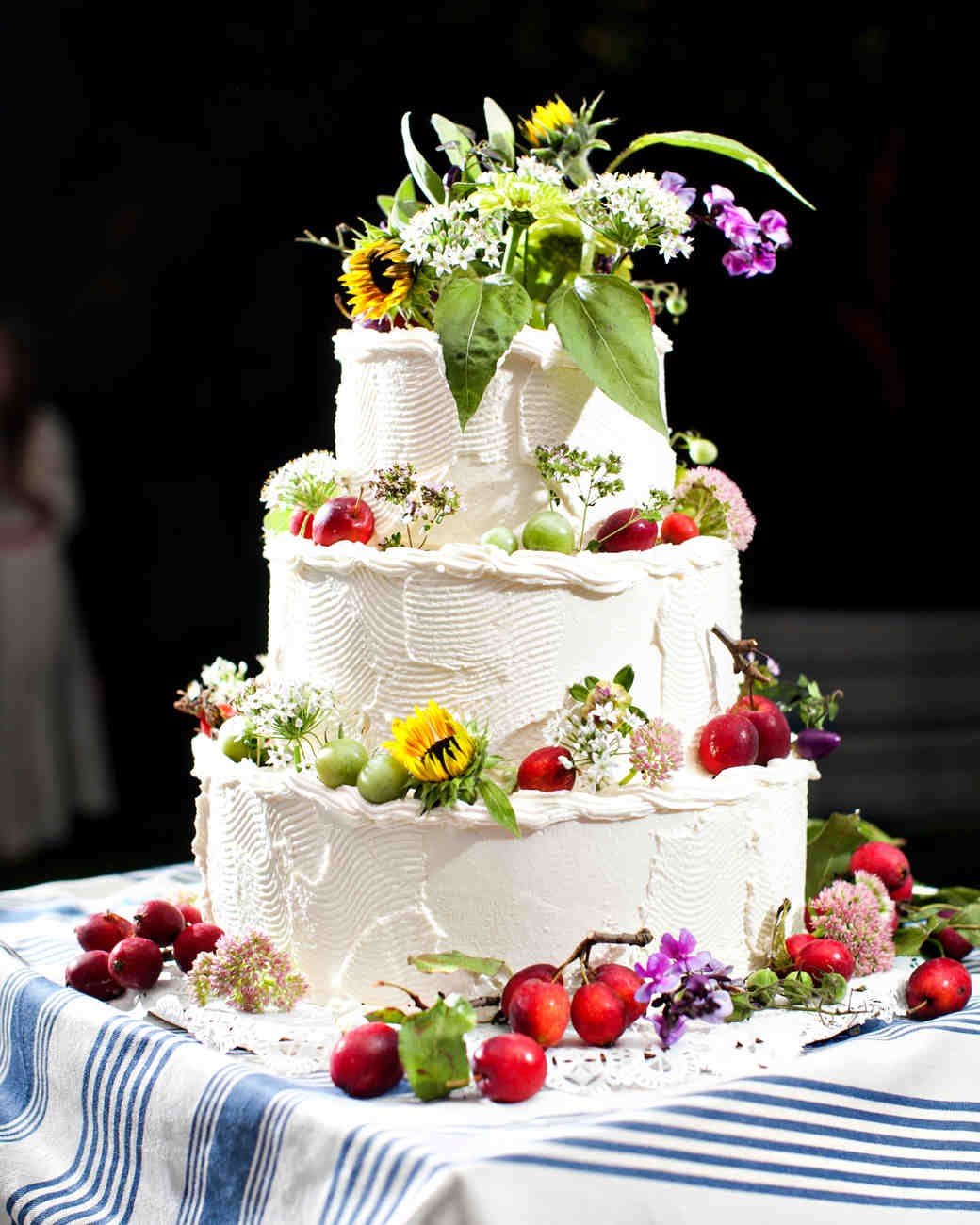 32 amazing wedding cakes you have to see to believe martha stewart 32 amazing wedding cakes you have to see to believe martha stewart weddings junglespirit Images