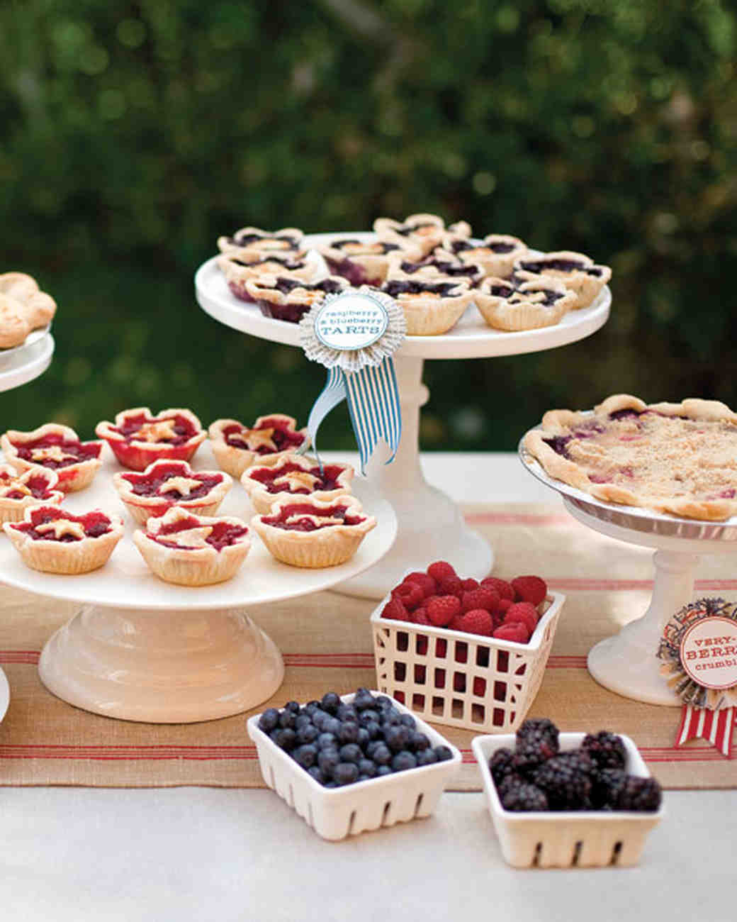 Want to offer more than just cake at your wedding reception? Check out tons of creative (and delicious!) ways to serve all of your favorite sweets on the big da