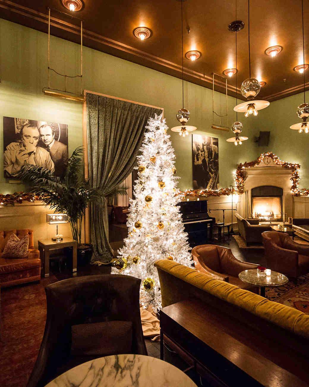 6-christmas-tree-restaurant-0116.jpg