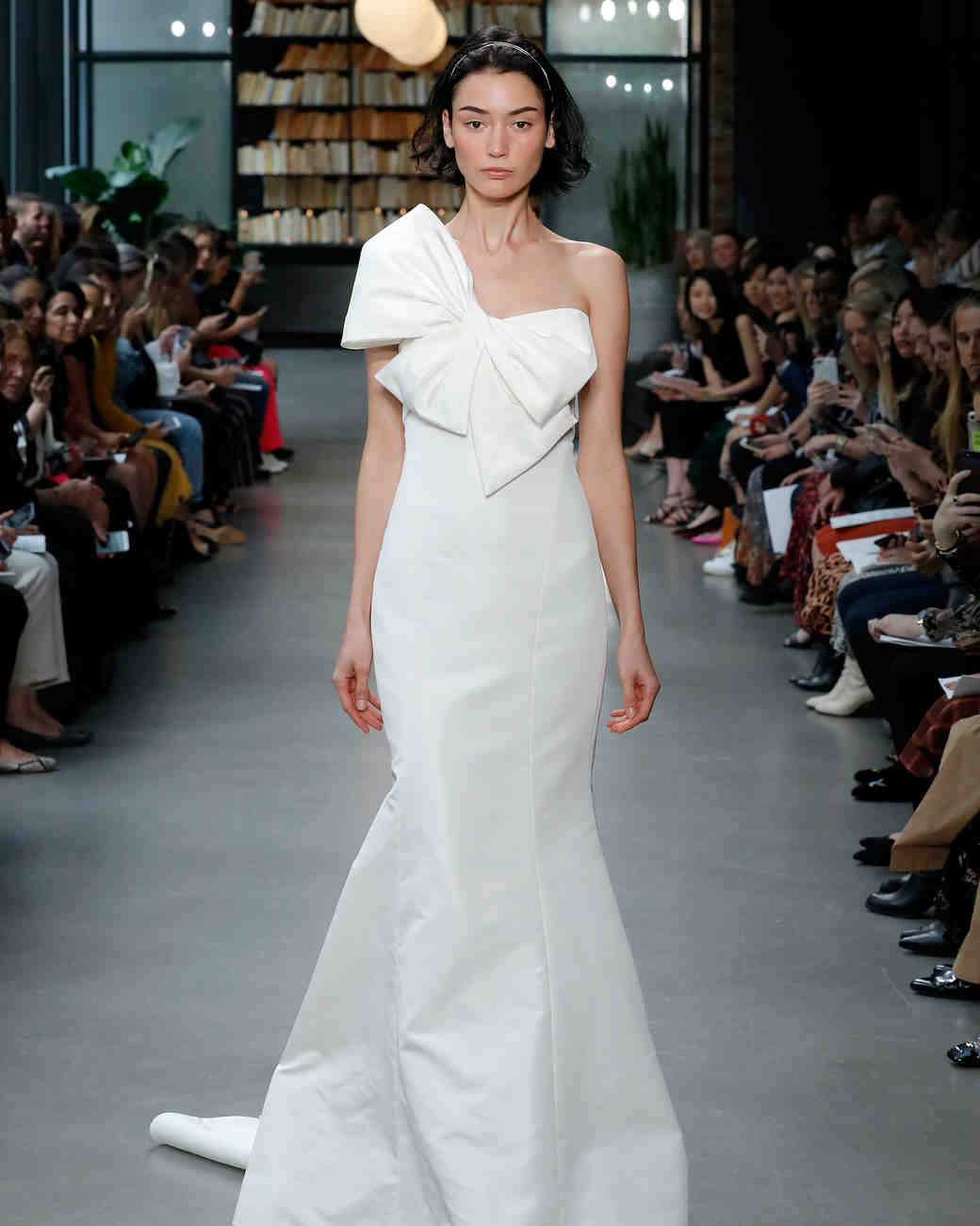 amsale fall 2019 mermaid with bow wedding dress