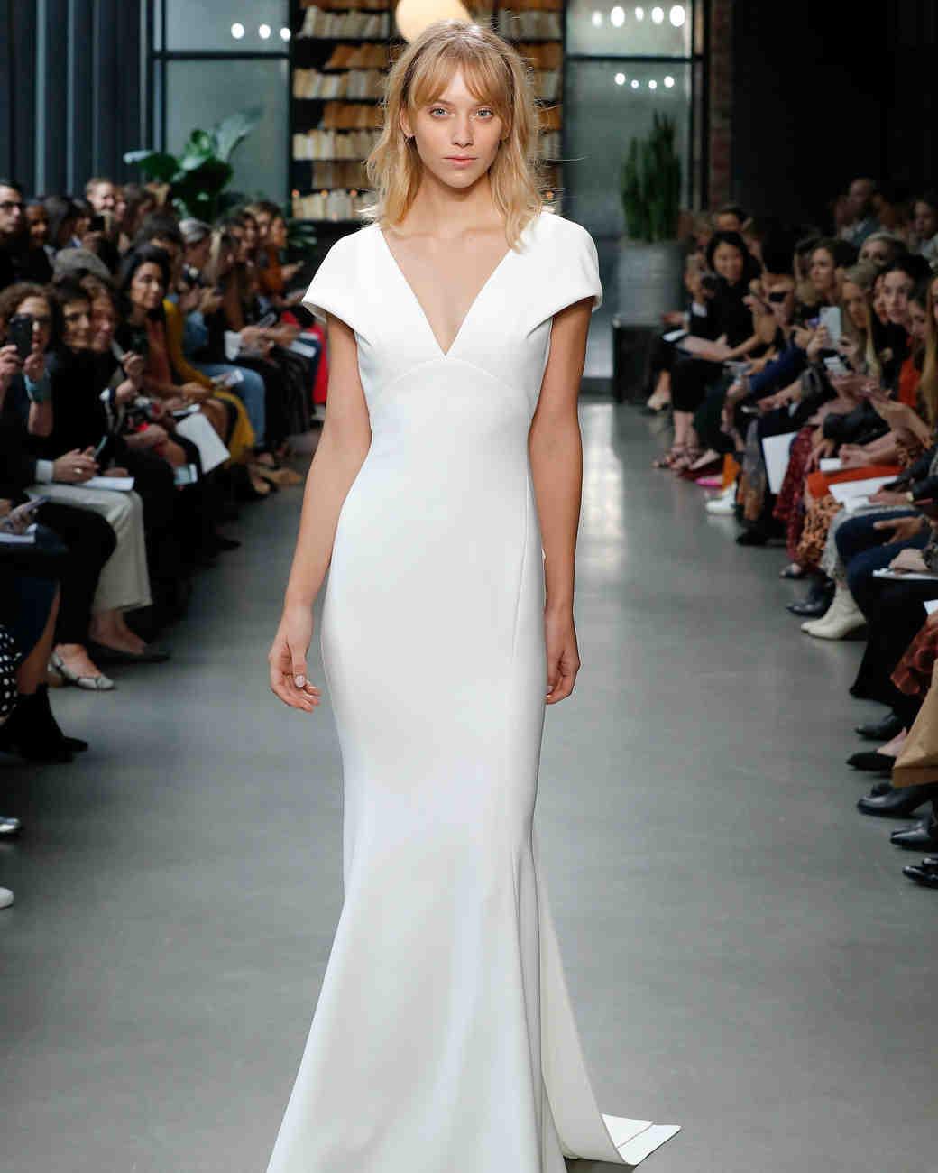 Amsale Fall 2019 Sheath Vneck Wedding Dress: Deep Scoop Neck Wedding Dress At Reisefeber.org