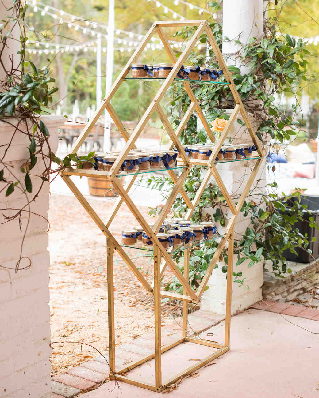 geometric favor display
