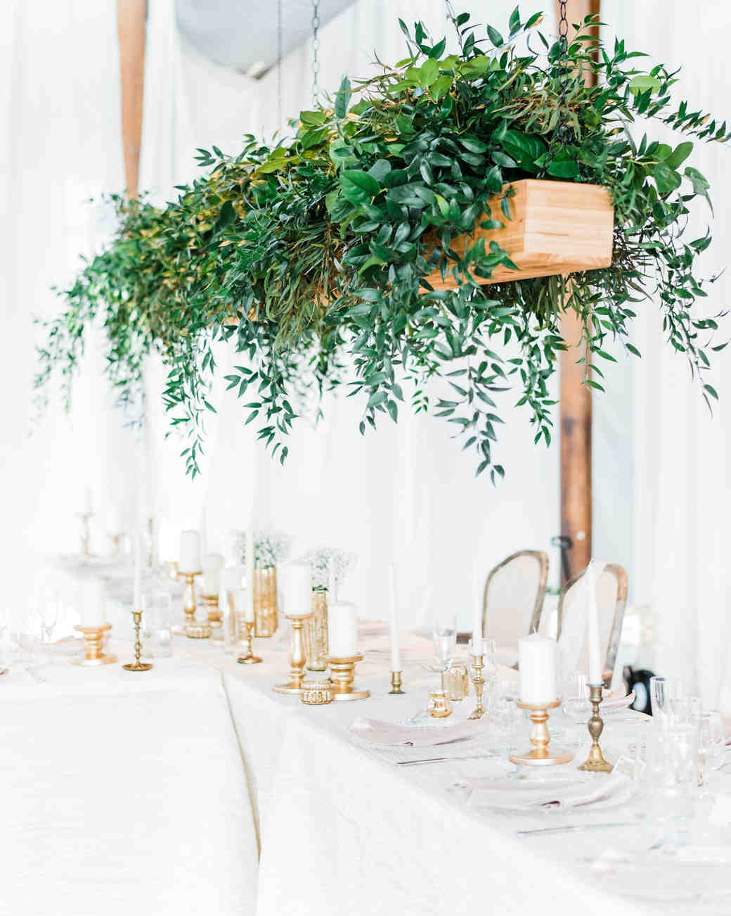 head table hanging green box white linens