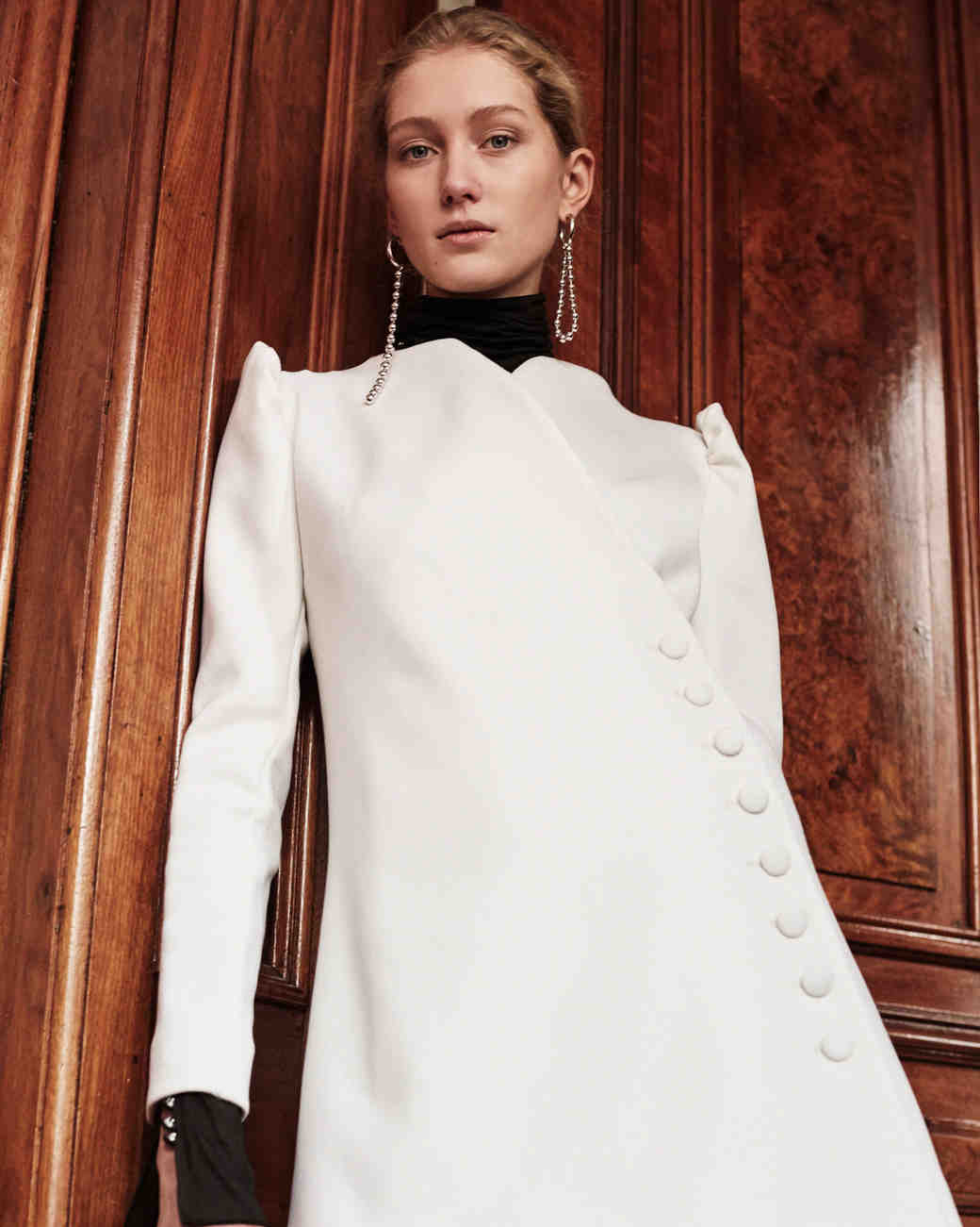 Lein wedding dress spring 2019 long sleeve high neck jacket with black collar