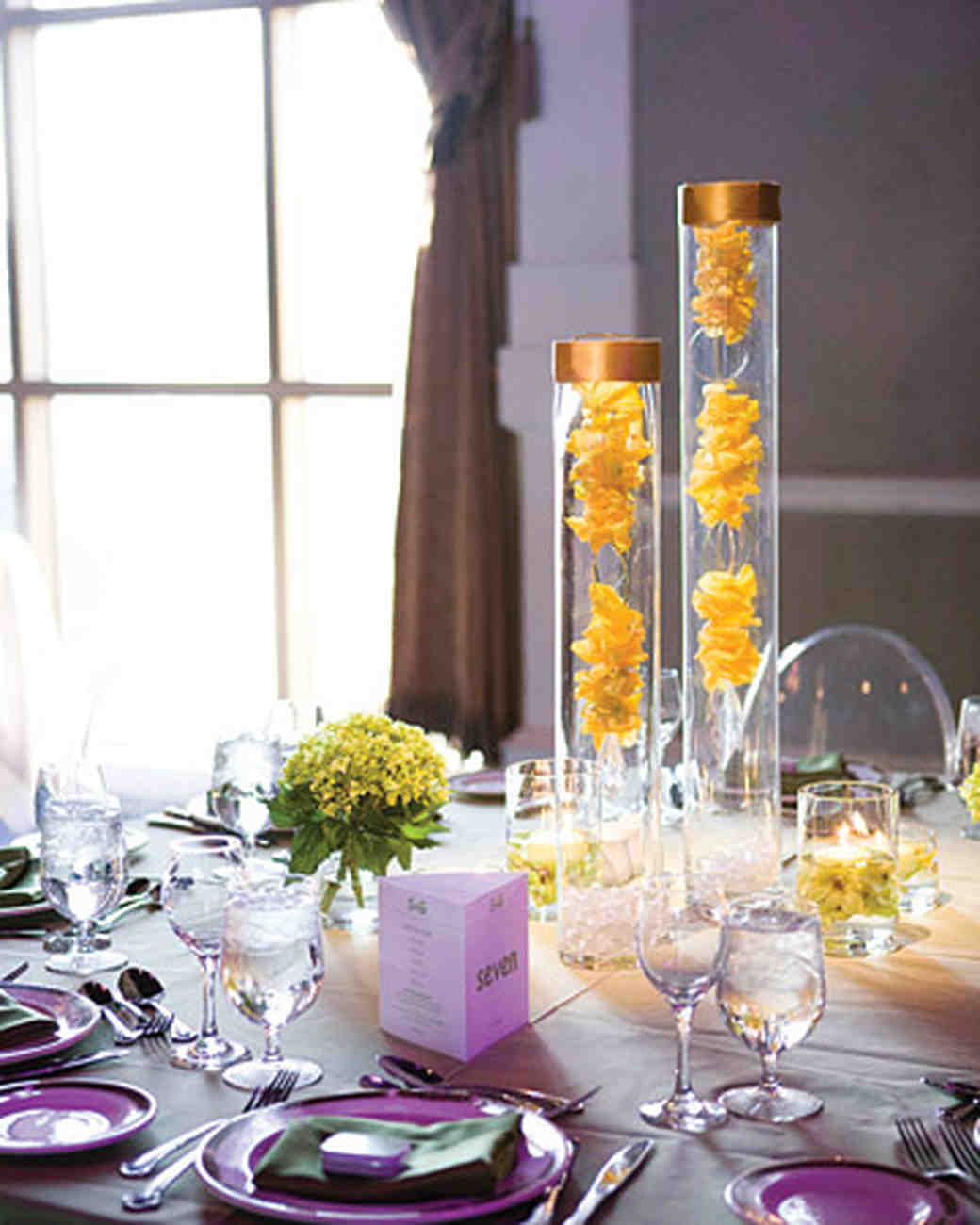 Modern wedding centerpieces martha stewart weddings for Modern table centerpieces