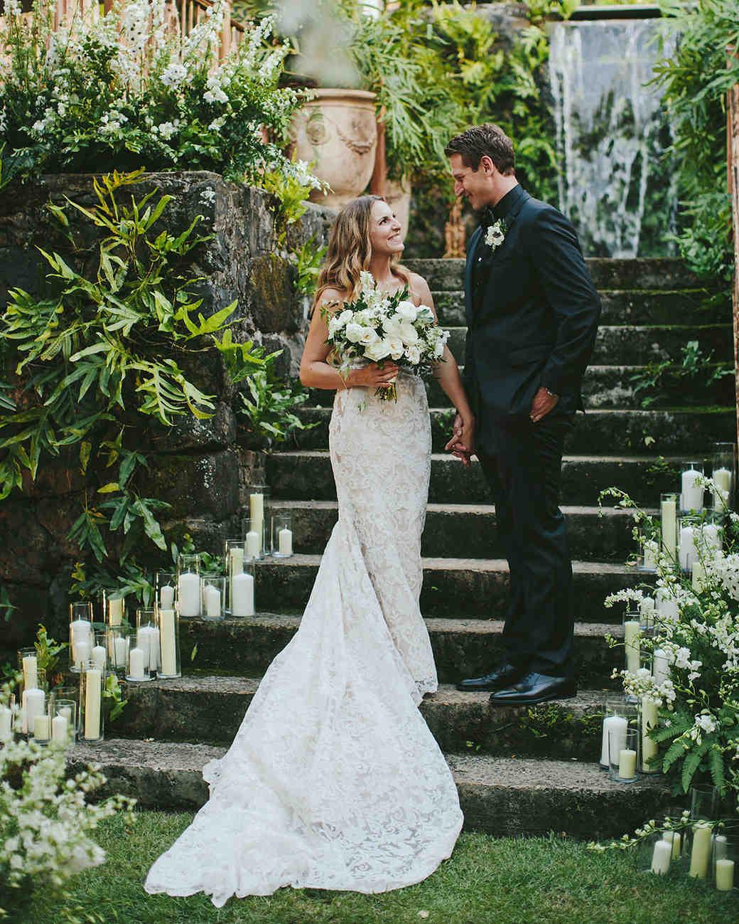 sarah daniel wedding bride and groom on steps
