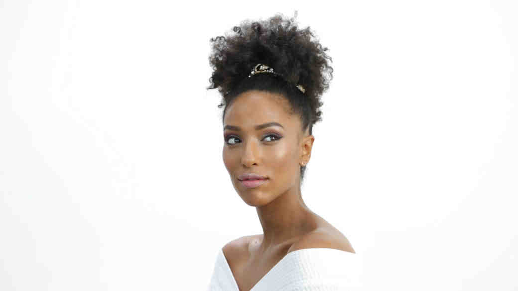 The Perfect Beauty Look for the Cool Bride