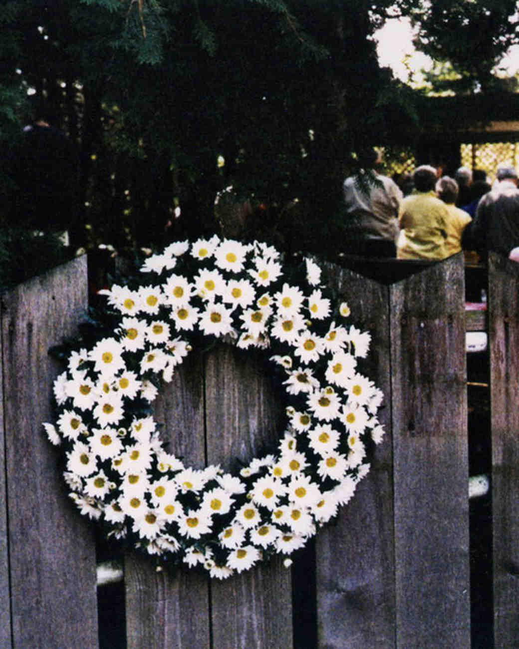 msw_travel09_wreath_tereasa_david.jpg