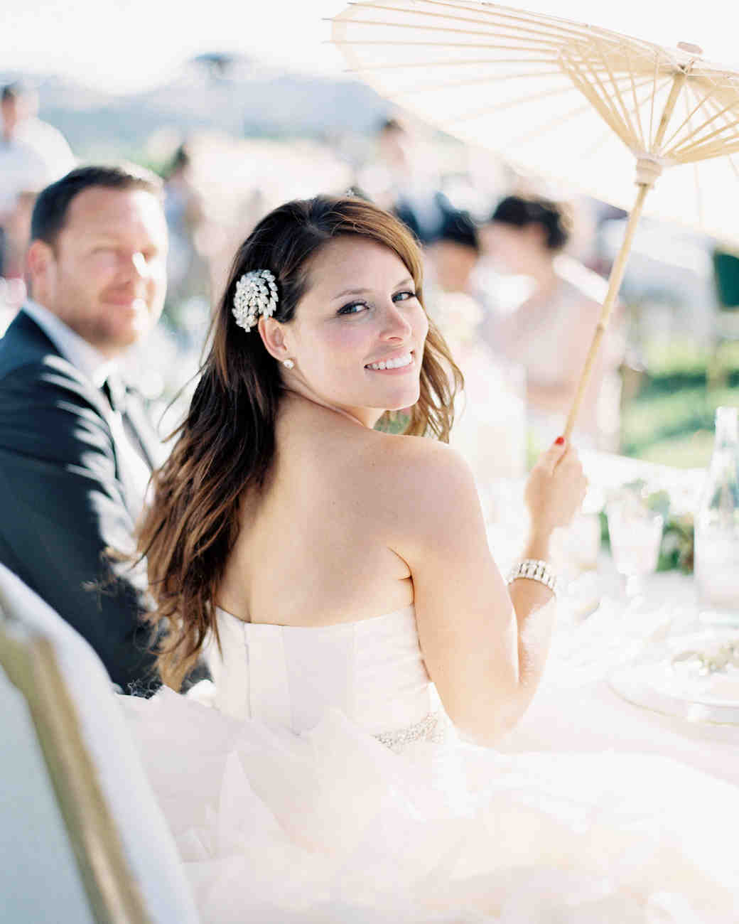 33 ways to wear your hair down for your wedding martha stewart photography jen huang junglespirit