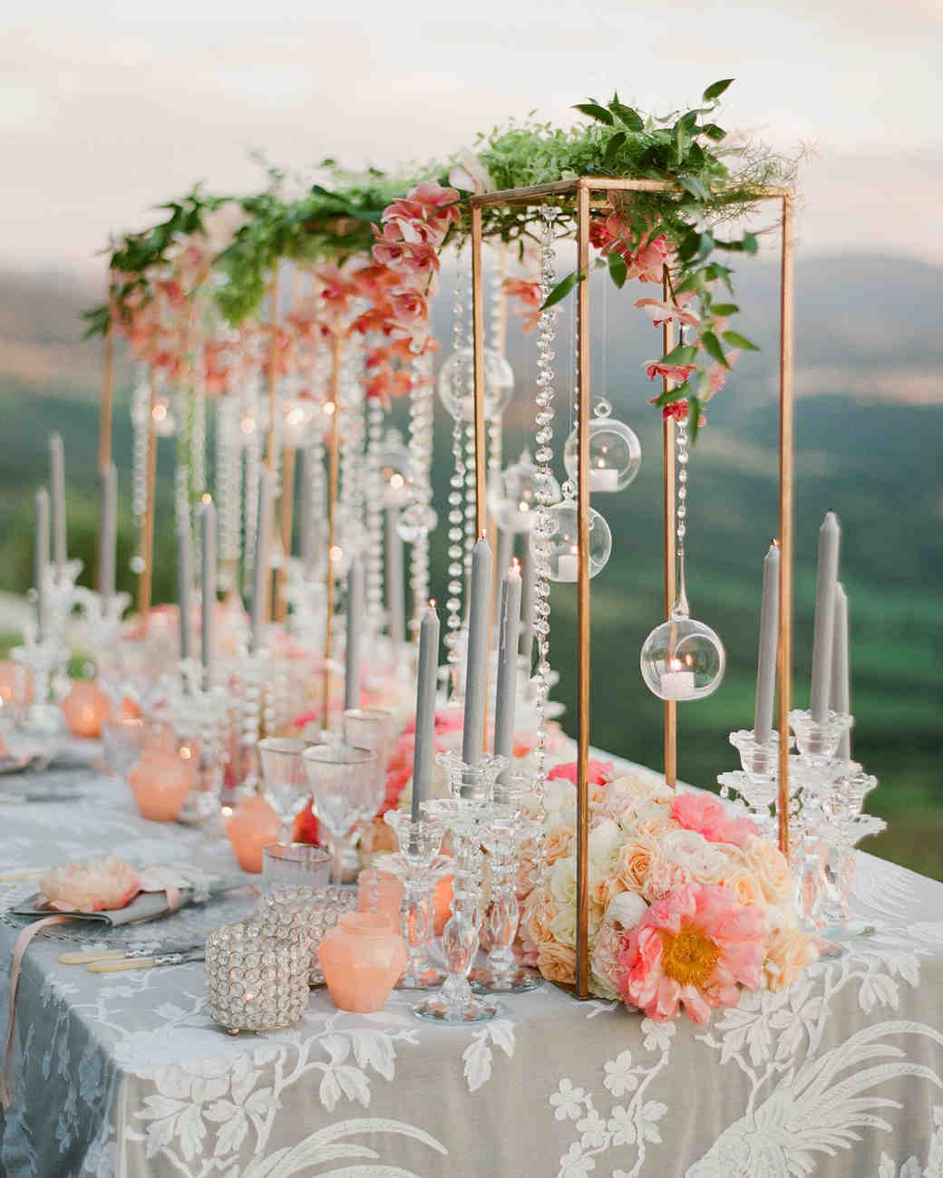 29 tall centerpieces that will take your reception tables to new rh marthastewartweddings com