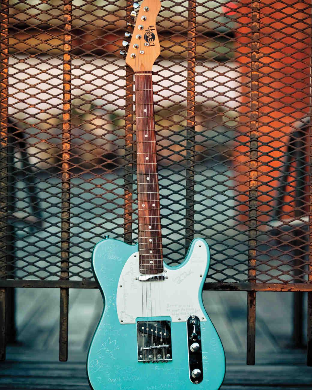 vanessa-michael-guitar-mwds107762.jpg