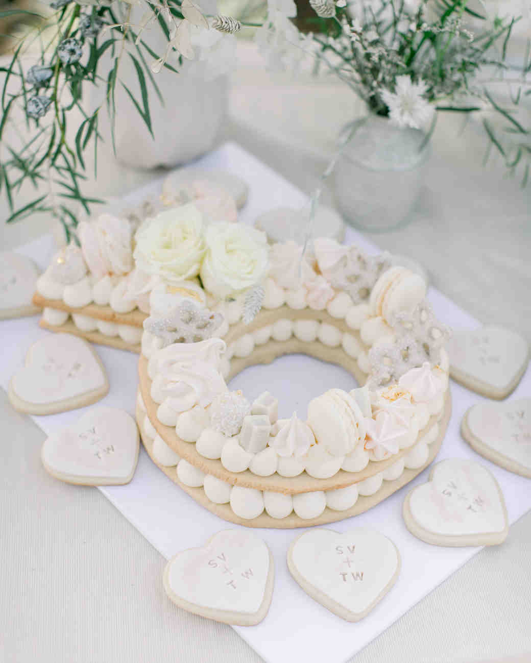 engagement ring shaped cookies