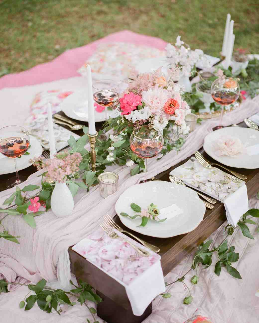 Outdoor Bridal Shower Ideas Part - 15: Outdoor Picnic Spread