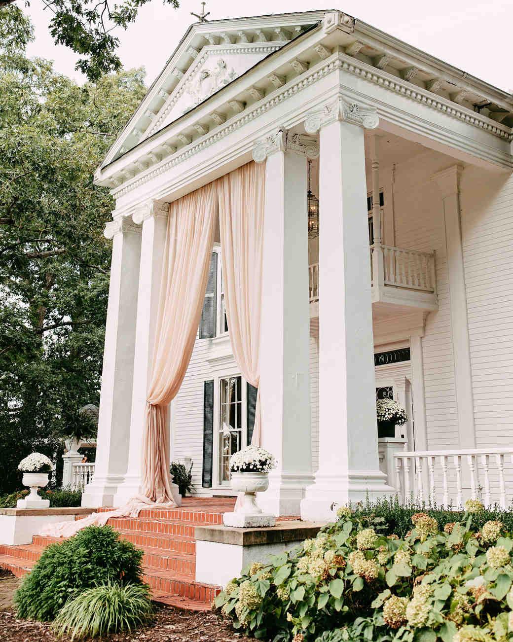 white mansion wedding venue