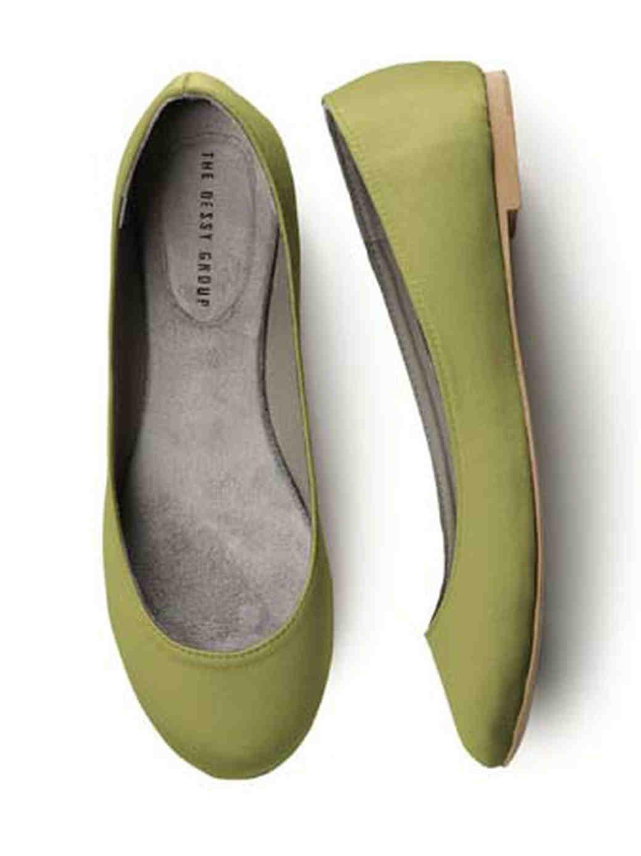 dessy-group-inspiration-footwear-2.jpg