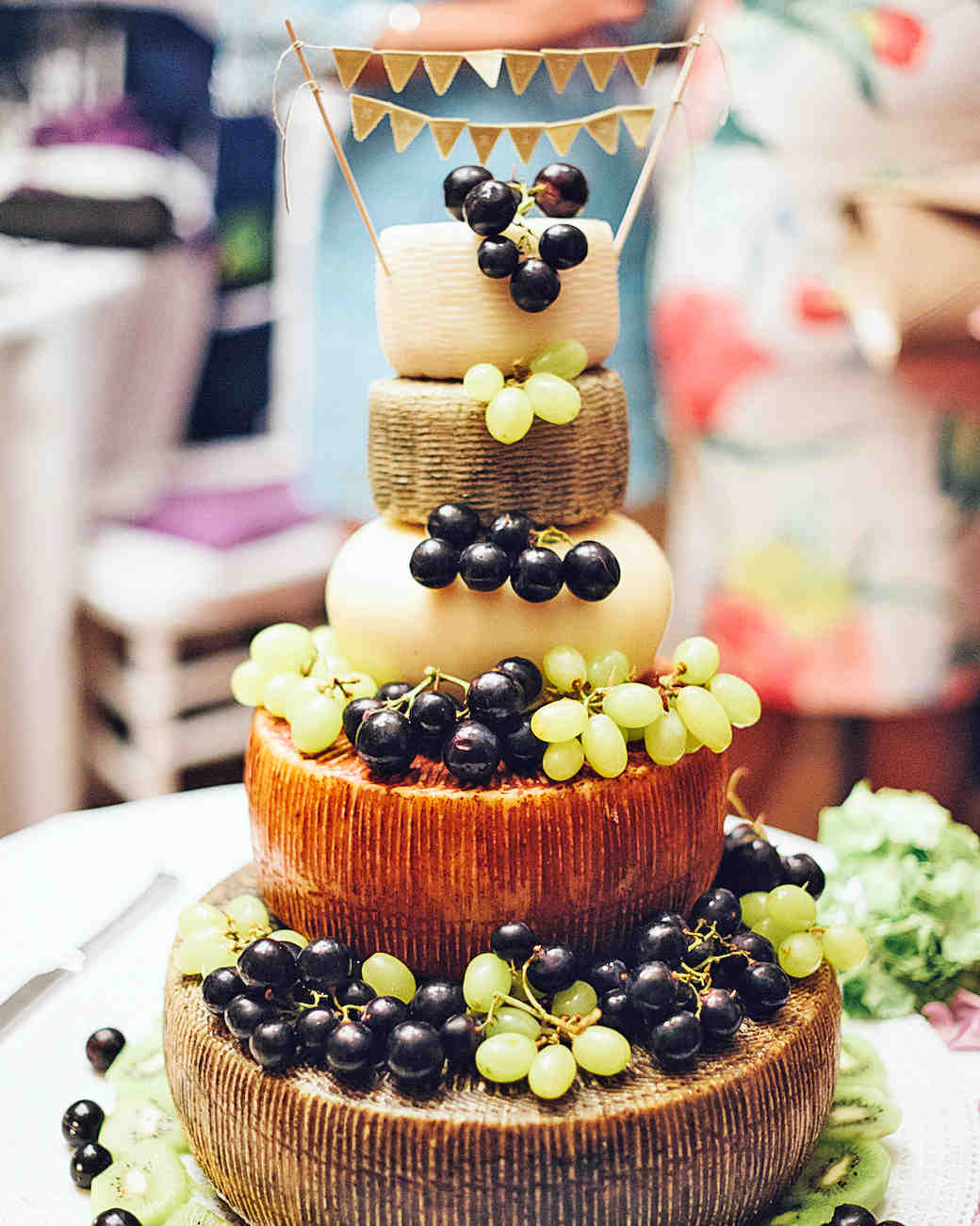 Non-Traditional Wedding Cake Wedding Dessert Ideas